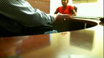FIlmata cu o camera ascunsa o secretara brazilianca buna rau de pula care